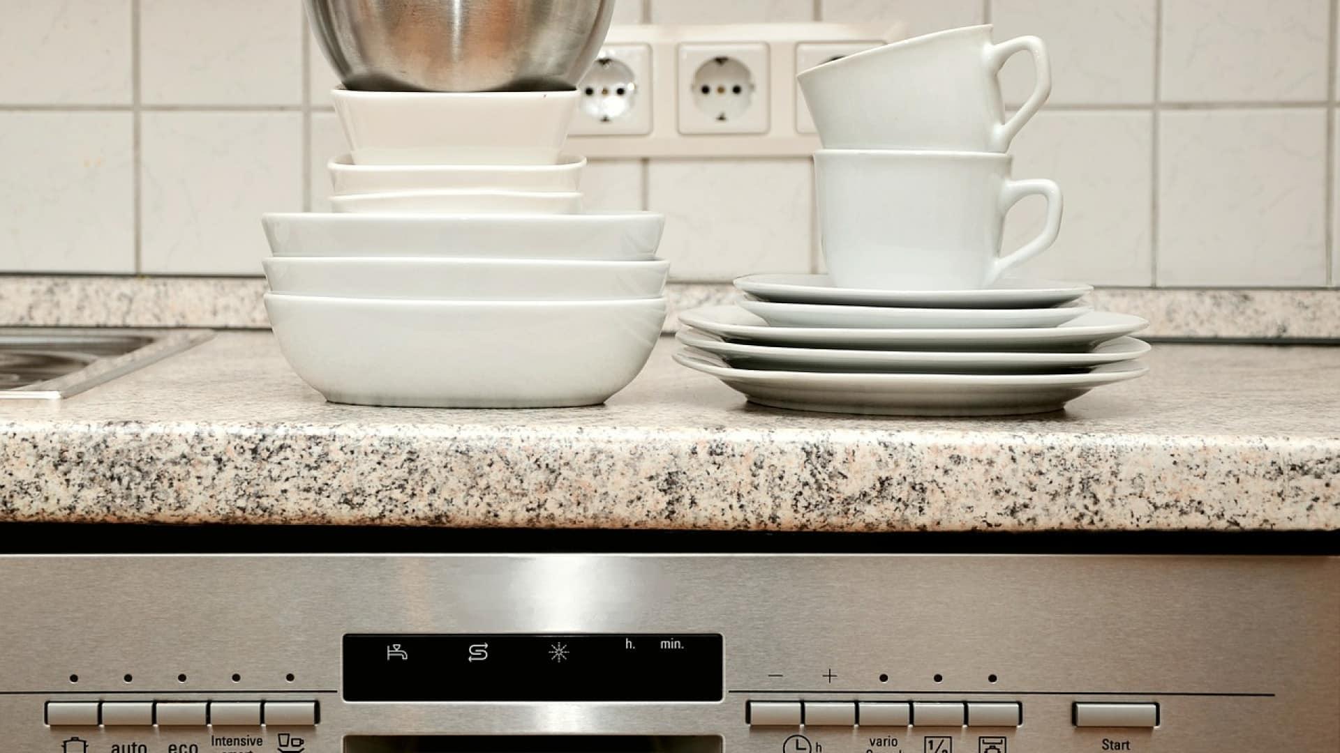 Comment débarrasser un lave-vaisselle professionnel du tartre ?