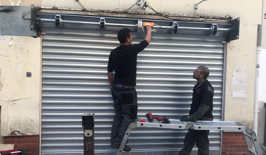 Dépannage et réparation de portes sectionnelles industrielles à Marseille